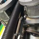 La pared del tubo ondulado de doble línea de producción