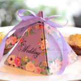 결혼식 기념품 삼각형 실크를 가진 포장 선물 상자