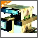 El precio bajo la etiqueta de la máquina de impresión