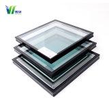 Cor azul reflexo na janela de vidro temperado duplo