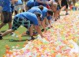 Het onmiddellijke Pompende Strand van de Plons van de Strijd van de Bos van de Activiteit van de Pret van de Zandstraler van de Steunen van de Zomer Magische voor het OpenluchtSpeelgoed van de Bommen van de Spelen van het Water van de Ballon van de Bal van de Volwassenen van de Jonge geitjes van de Kinderen van de Lanceerinrichting