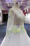 Выпускной вечер цвета слоновой кости вышивки выравнивая Bridal мантию венчания
