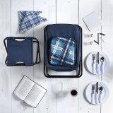 2 nelle presidenze di 1 picnic di piegatura con il sacchetto e gli articoli per la tavola più freddi