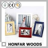 Bâti en bois blanc de photo d'illustration de décoration de mur pour l'Européen