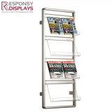 Un style moderne-de-chaussée de métal et de l'acrylique de multiples paliers Brochure et le Magazine de cas d'affichage