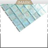 Mosaico di vetro blu-chiaro per le mattonelle della doccia