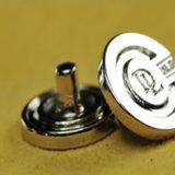 衣服の衣類のための熱い販売人の高品質の方法デザイン金属ボタン