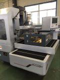 Máquina grande del corte EDM del alambre del CNC del recorrido de Dk7750zac