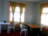 Vista interior de la casa del panel de emparedado