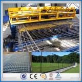 機械を作る溶接された塀の網