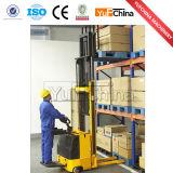 Stacker eléctrico com uma capacidade de carga máxima de 2000 kg