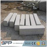 Tamanhos padrão de pedra ajardinando da pedra de resguardo do granito para a pavimentação da estrada