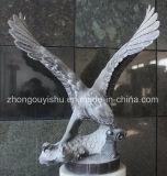 La escultura de animales, el águila escultura estatua