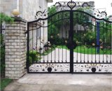 金属の鉄のクラフトが付いている錬鉄の装飾的なゲート