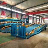 공장 직매 트럭 콘테이너 창고 선창 세륨 ISO 증명서를 가진 유압 이동할 수 있는 경사로 20ton 1.8m 고도