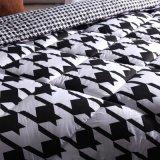 Consolateur intérieur d'édredon de Balck bon marché à la maison et de polyester blanc intérieur
