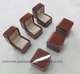 Коробка кольца собрания твердого грецкого ореха деревянная