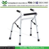 Caminhante de reabilitação e fisioterapeuta para crianças com deficiência