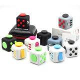 Fidget juguetes cubo Squeeze divertido calmante para el estrés Fidget juguetes rompecabezas Cubo Mágico juguetes cubo estrés vienen con una caja de la rueda de estrés