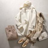 Dame-Form-Umhüllungen-Wolle-Mantel mit Doppeltem knöpft kurzen Raglan-Hülsen-Mantel