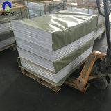 高い光沢のあるポーランド人PVC白シートを形作る真空のため