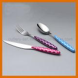 美しいプラスチックハンドルの食事用器具類セット