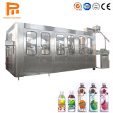 Une petite bouteille Pet automatique de la Mangue Orange Apple de l'eau de boisson de jus de raisin doux traitement usine de remplissage de l'embouteillage de boissons