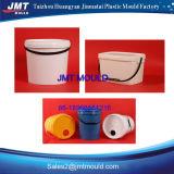 Molde plástico do balde do petróleo