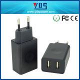 전기 유형과 이동 전화 사용 이중 USB 벽 충전기