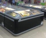 Le supermarché a courbé le congélateur en verre de crême glacée de congélateur de poitrine d'étalage de fruits de mer