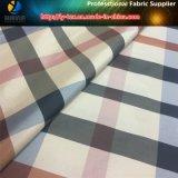 Tela teñida hilado clásico de la verificación en el estilo tejido poliester para la capa joven (YD1180)