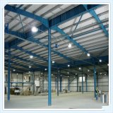 Costruzione della struttura d'acciaio per il magazzino ed il workshop