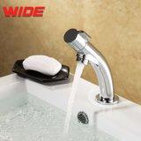 Taraud d'eau moderne de bassin d'en cuivre de modèle simple, mélangeur chaud et froid Chine de modèle aérodynamique de lavabo de robinet