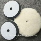 Weiße Wolle-Filz-Räder