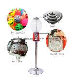 Gashaponの自動販売機またはキャンデーの球の自動販売機