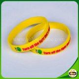 Solo bunter kundenspezifischer GummiWristband mit gedrucktem Firmenzeichen