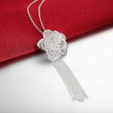 ローズの花の吊り下げ式の女性の宝石類の銀によってめっきされるネックレス