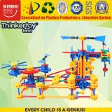 Os brinquedos plásticos dos blocos de apartamentos do melhor jogo para crianças