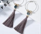 Pendientes bohemios de la pluma de los pendientes de la vendimia de las mujeres de la joyería de la borla redonda de la gota