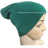 工場農産物によってカスタマイズされる黒いEarflapのアクリルの編まれただらしない帽子の帽子