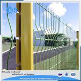 PVCは3Dによって折られた金網の塀に塗った