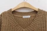 100%Acrylicパーソナリティー女性の純粋なカラーV首長い様式のセーター