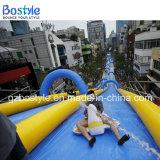 都市を大人のためのスライド膨脹可能な水スライド滑らせなさい