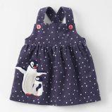 ばねの秋の赤ん坊の幼児の女の子のコーデュロイの服の子供の子供の女の子の服