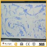 Blau färbt künstlichen Quarz-Stein mit Scheinen