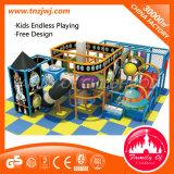 Lujoso hotel de los niños pequeños equipos de gimnasio patio interior