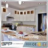 Mesa de cozinha em granito com superfície polida