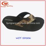 Летом на пляже Womern, опорной части юбки поршня высокого каблука EVA сандалии