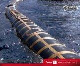 Sich hin- und herbewegender Gummiöl-Schlauch, der Marineöl-Anlieferungs-Schlauch schwimmt