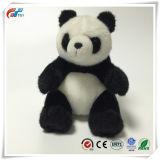 De Gediplomeerde Gevulde Panda's van Ce dragen Stuk speelgoed